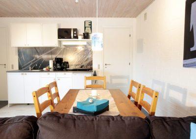 Essbereich und Küche - Guesthouse Hvide Sande